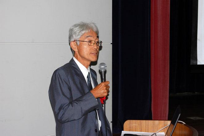 持続可能な開発目標について講演する小川氏