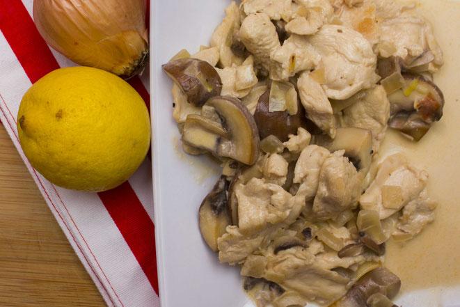 Hähnchengeschnetzeltes Zürcher Art, Züri-Gschnätzlets Rezept selber machen
