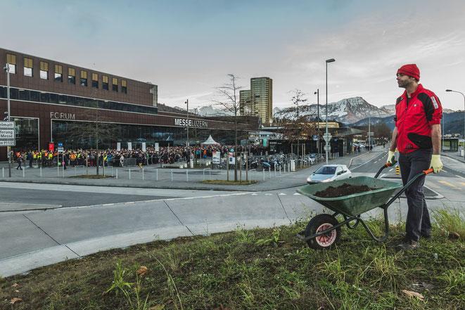 Foto: Peter Schäublin | Remo Wiegand, Performative Aktion im Rahmen der Kunst|zone Explo17