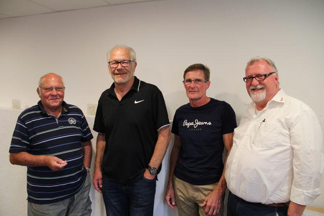 Uwe Lippert (rechts) gehört nun zur Riege der Alterspräsidenten. Hier zu sehen mit seinen Vorgängern (von links): Peter Schmidt, Klaus Tröndle und Frank Brombach