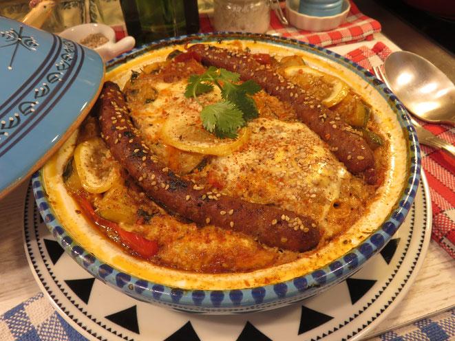 TAJINE DE MERGUEZ AUX LÉGUMES œufs et épices Tajine, tagine ou tadjine c'est extra ! Gourmandises TV
