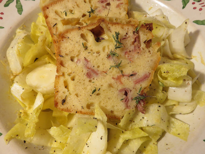 """Canal Gourmandises - Le """"Cake Raclette"""" et sa salade d'endives, un délice !.."""
