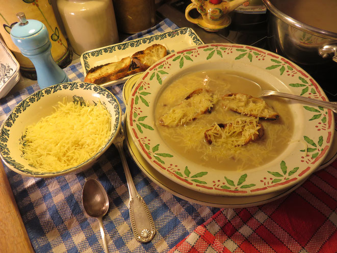 Soupe à l'oignon ou Potage parisien de la Mère Mitraille - Canal Gourmandises Paris