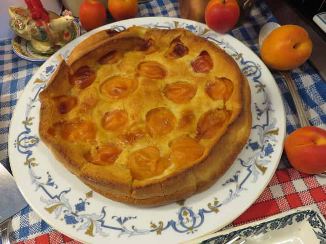 RECETTE Vidéo : Clafoutis aux Abricots de Provence Grand Mère Mitraille, en juin et juillet, c'est la pleine saison !