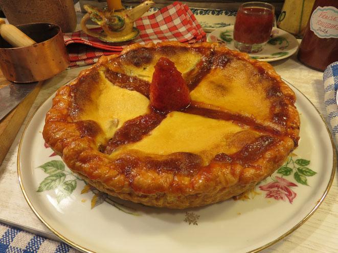 RECETTE : TARTE A LA RHUBARBE Grand Mère Mitraille à l'ancienne, délicieuse ! - Gourmandises TV