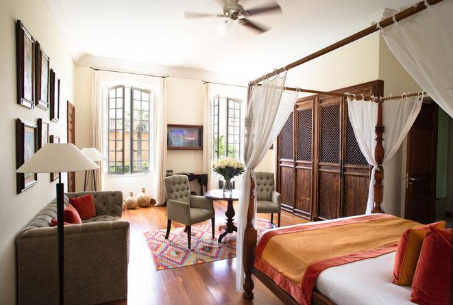 SAINT TROPEZ (83) : Le Pan Deï Palais en plein coeur du  célèbre village - Chambre prestige