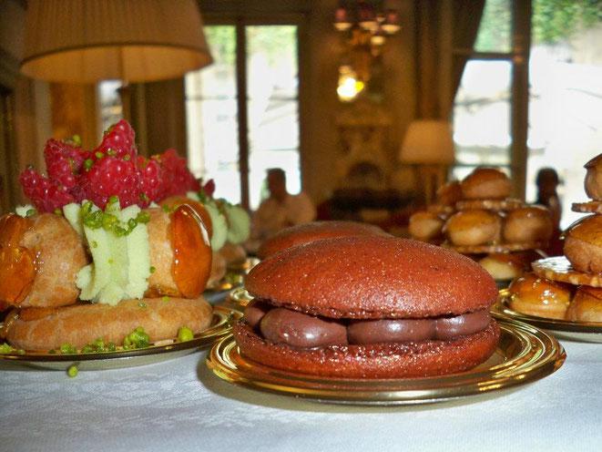 Le jour du Macaron Relais Desserts 2020 le 2 mars - Photo :  © Canal Gourmandises Paris