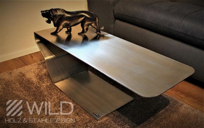 Edelstahl Couchtisch im industrial Design von WILD DESIGN