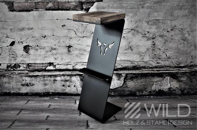 Industriedesign Bar Hocker in schwarz für den Innenbereich aus Holz und Metall