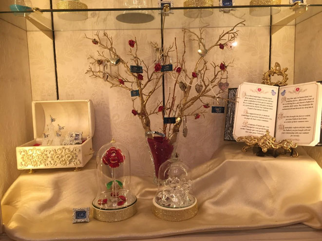 Magici Diari Incantati di Fogliaviola a Disneyland per Arribas con la collezione della rosa di La Bella & La Bestia