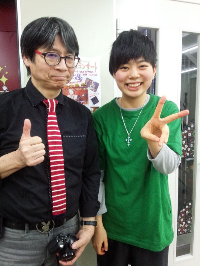 カホン担当友香ちゃん(中3)と