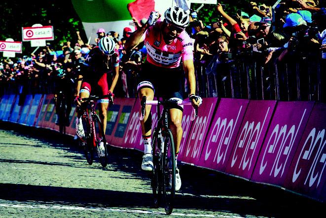 Tom Dumoulin auf einem GIANT TCR / Sieger Giro d'Italia 2017 + 2facher Weltmeister