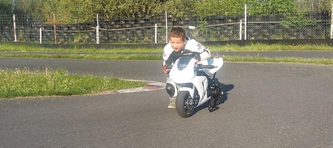 Mai 2016 - endlich habe ich mein neues Motorrad