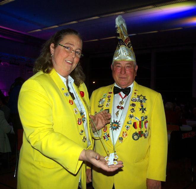 Karnevalverein Pfungstadt präsentiert Orden für neue Kampagne