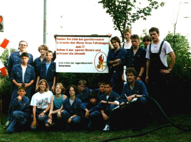 Jugendfeuerwehr und Betreuer 1995 ganz links Frank Denecke Jugendwart