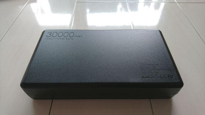 AUKEY  大容量モバイルバッテリー 30000mAh QuickCharge3.0 見た目 裏 PB-T11