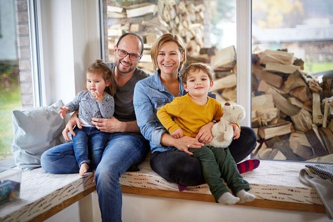 Carolin Flender und ihre Familie stehen hinter dem Wickelrucksack-Label Anna und Oskar
