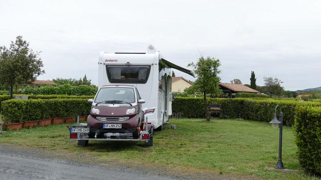Unser riesengroßer Stellplatz beim Agricampeggio Nonna Stella in Bibbona