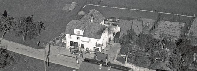 1963 Werkstätte und Tankstelle Humer - inzwischen verschwunden ...
