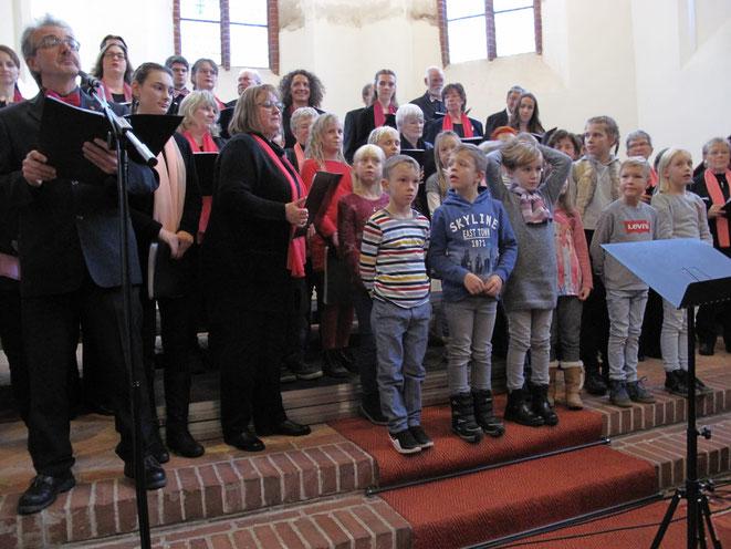 """die Kindergruppe  der evang. Kirchengemeinde Storkow, die """"Kirchenmäuse"""""""
