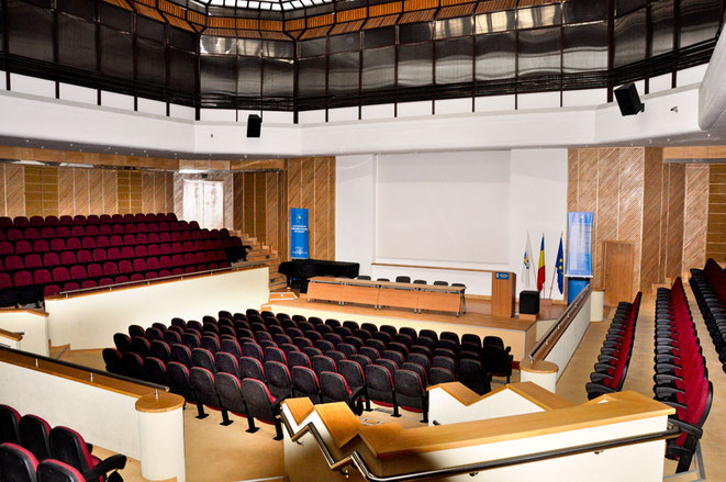 The lecture theatre of the Congress Centre of Transilvania University of Brasov