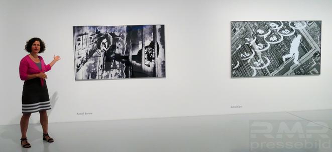 Dr. Christina Leber und Herstellungstechniken der Kunstobjekte von Rudolf Bonvie und Astrid Klein © mainhattanphoto