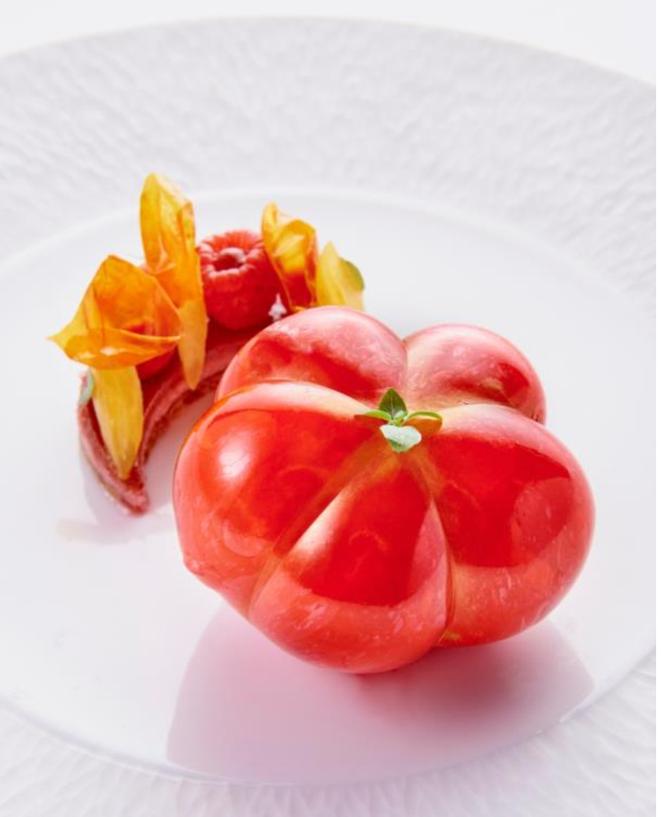 PARIS : La Tomate Coeur de Boeuf en trompe l'oeil   du Chef Patissier Jimmy Mornet au Park Hyatt Paris Vendôme