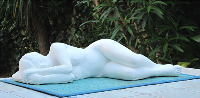 "sculpture femme nue allongée ""la belle endormie"" étude de nu féminin"