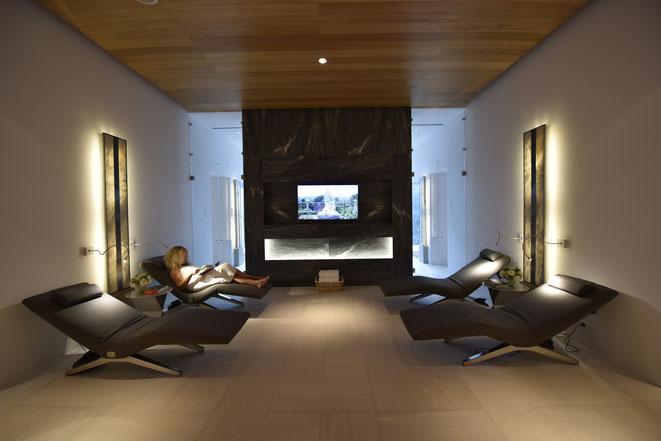 referenzen presse designerliege loftchair swissmade ergonomisch bequem verstellbar. Black Bedroom Furniture Sets. Home Design Ideas