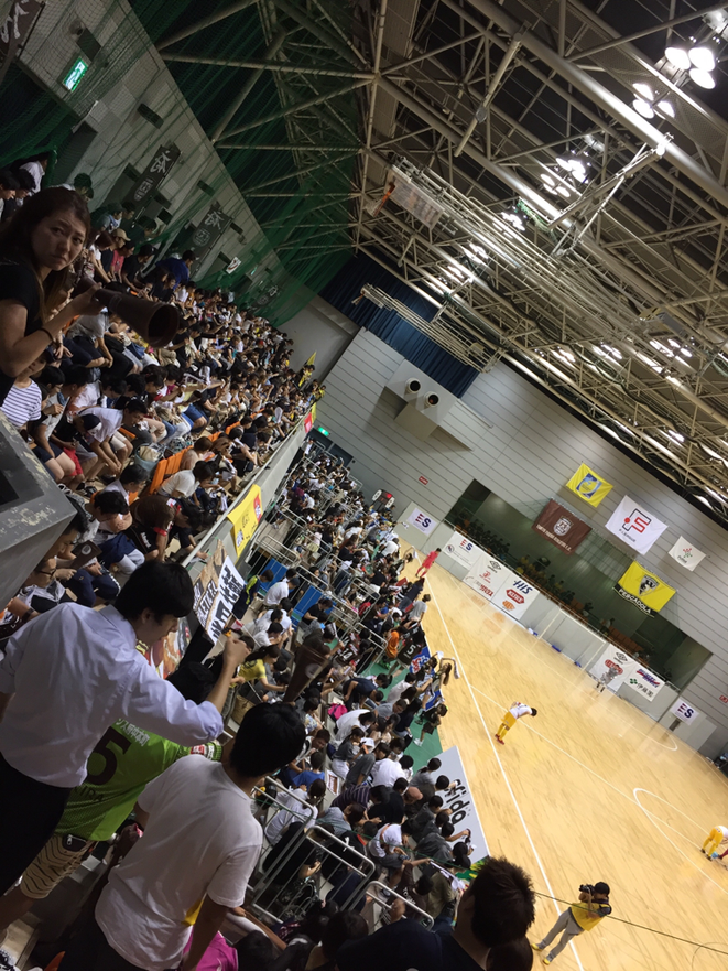 Supporters of Tokyo Fuchu Athletic F.C. Futsal F-League Fuchu municipal gymnasium Tokyo Fuchu city sports attraction entertainment tourist spot Visit Tama - Tama Tourism Promotion