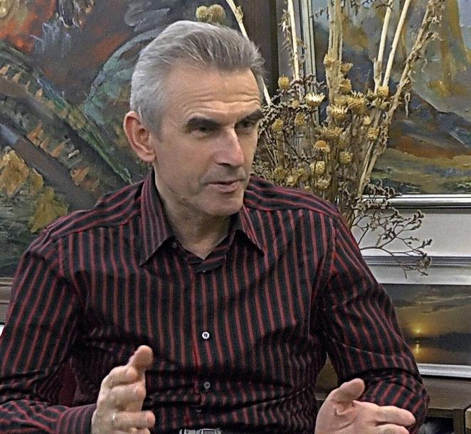 В. Уваров рассказывает о проблемах искусства