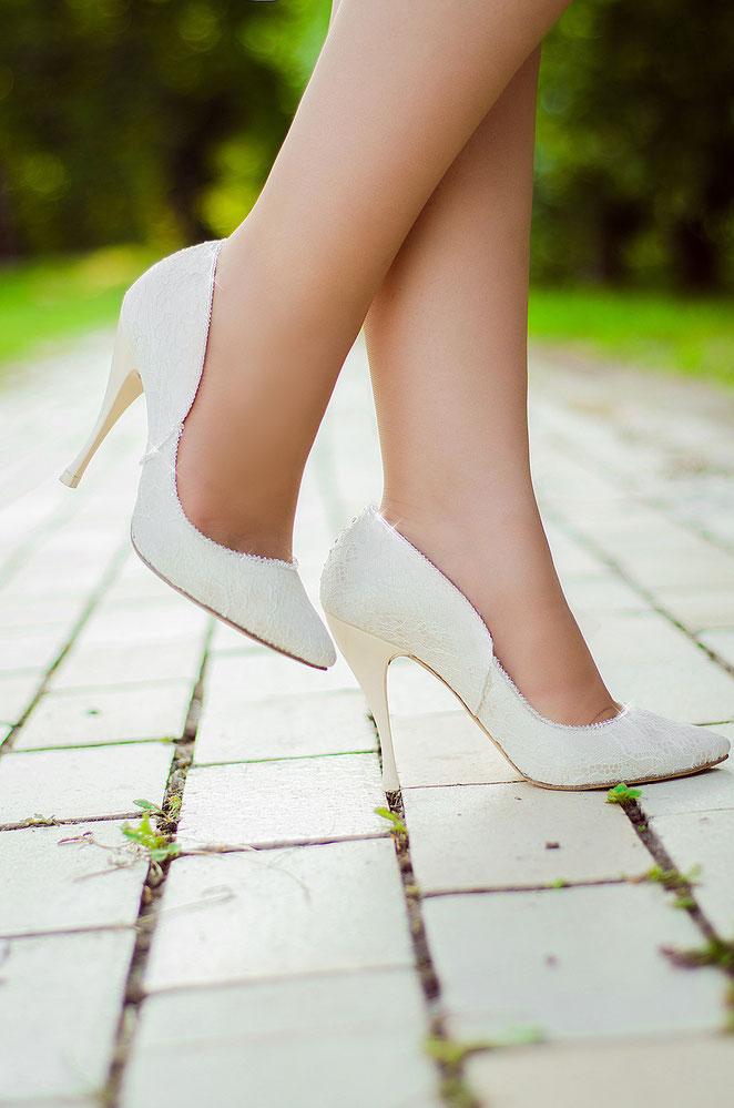Удобные свадебные туфли, красивые свадебные туфли, свадебные туфли Киев, свадебная обувь купить Киев, белые туфли, свадебная обувь недорого