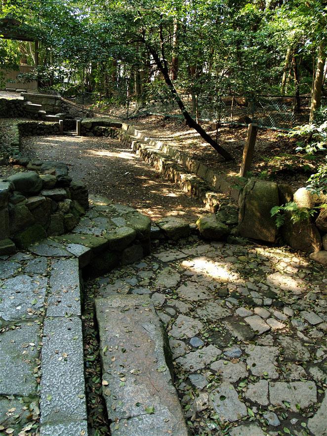 あじさい鍼灸マッサージ治療院 木嶋神社の池
