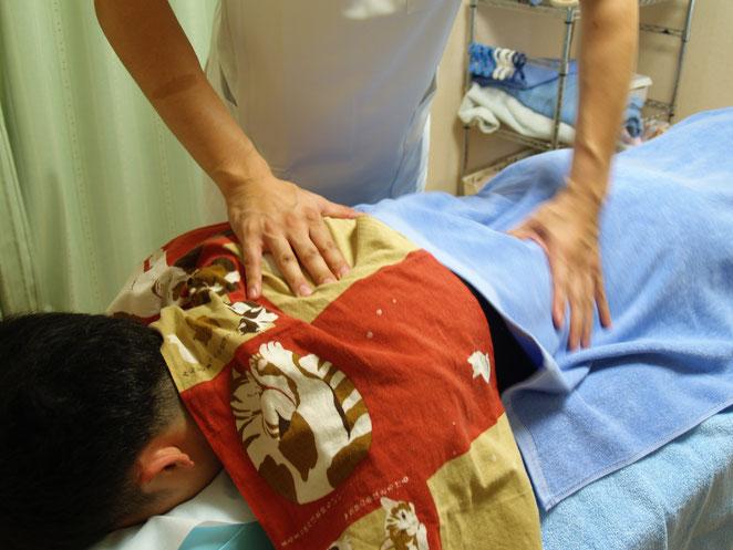 あじさい鍼灸マッサージ治療院 按摩の母指揉捏