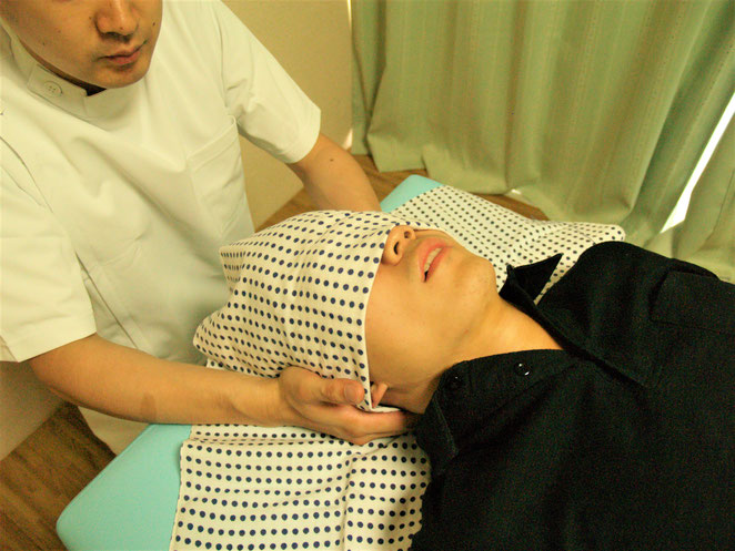 あじさい鍼灸マッサージ治療院 頚部への揉捏