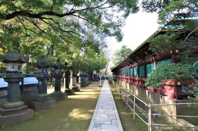 あじさい鍼灸マッサージ治療院 上野東照宮透塀と石灯籠