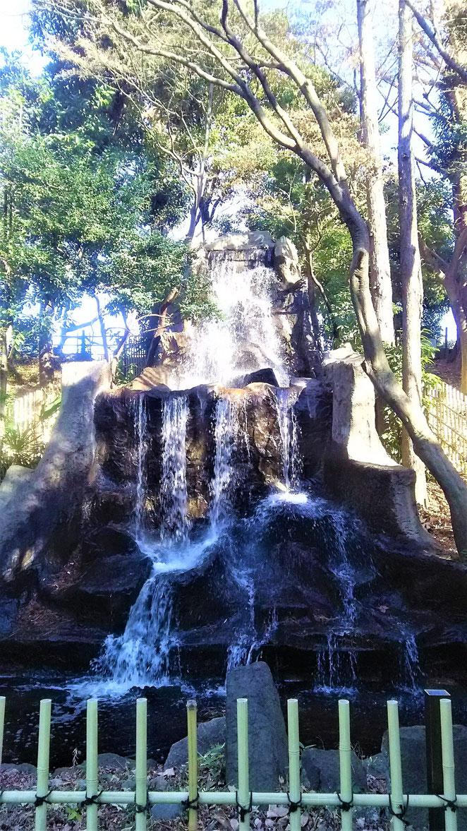 あじさい鍼灸マッサージ治療院 にこにこ山の滝