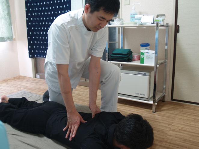 あじさい鍼灸マッサージ治療院 指圧の様子