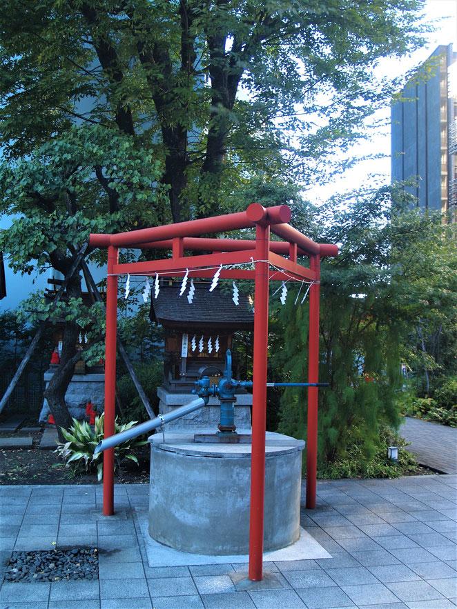 あじさい鍼灸マッサージ治療院 成子天神社の三柱鳥居