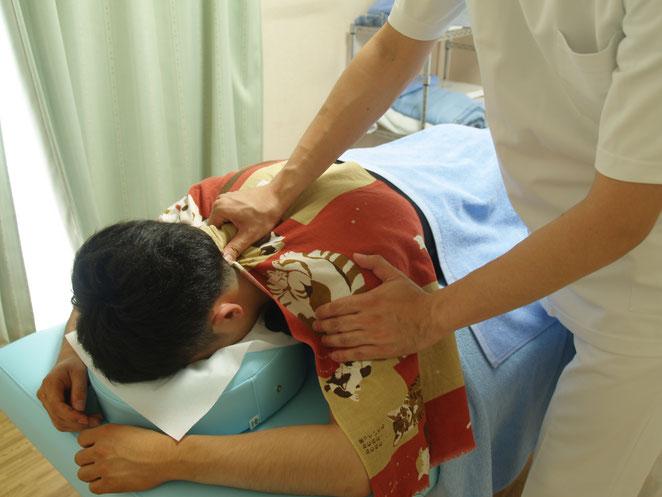あじさい鍼灸マッサージ治療院按摩指圧の様子
