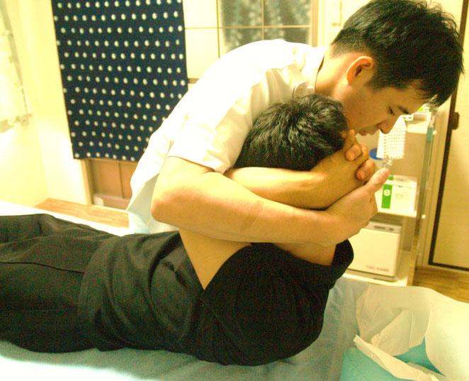あじさい鍼灸マッサージ治療院 胸椎の調整
