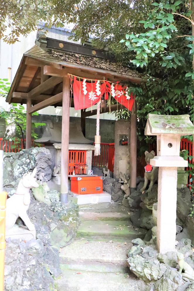 あじさい鍼灸マッサージ治療院 三囲神社の社稲荷