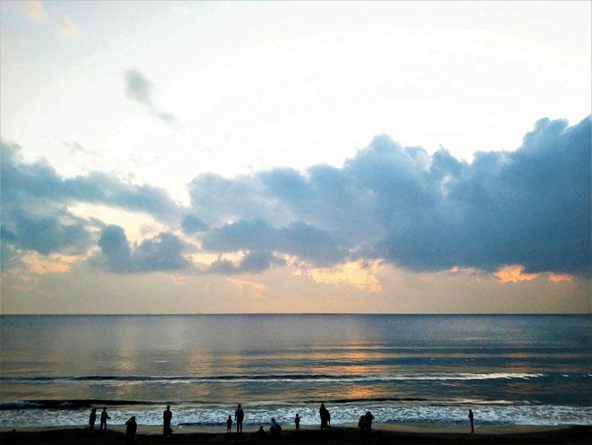 あじさい鍼灸マッサージ治療院 江ノ島の海岸日が暮れて