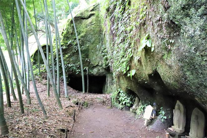 あじさい鍼灸マッサージ治療院 浄智寺の洞窟