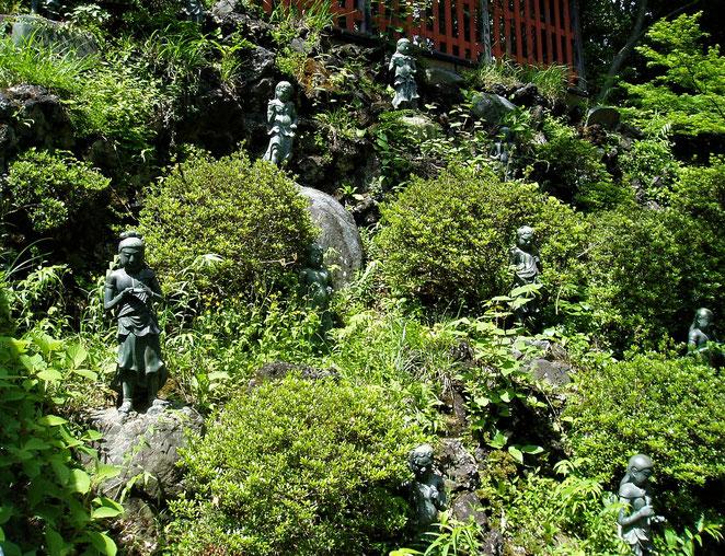 あじさい鍼灸マッサージ治療院 薬王院の石像