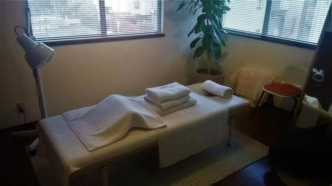 あじさい鍼灸マッサージ治療院 まや治療室施術ベッド