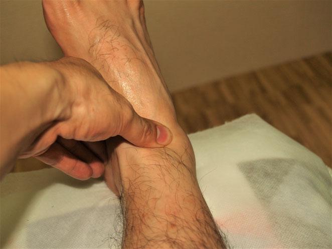 あじさい鍼灸マッサージ治療院 強擦は関節部分に用いることが多い