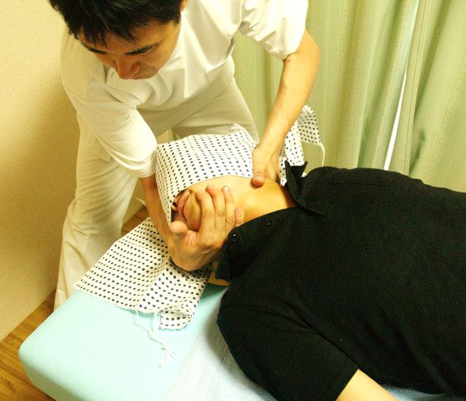 あじさい鍼灸マッサージ治療院 頸椎の調整
