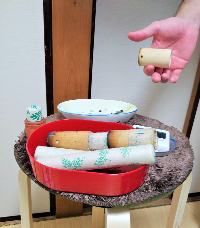 あじさい鍼灸マッサージ治療院 ミズノ鍼灸マッサージ院でのネパール棒灸の道具