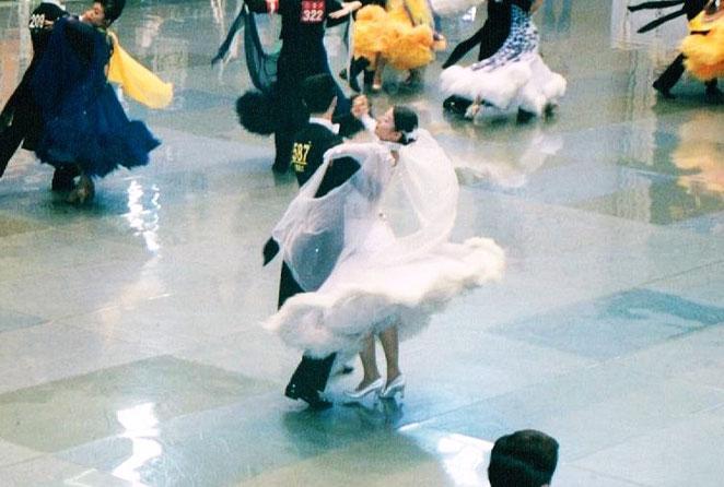 院長のダンス競技会風景。